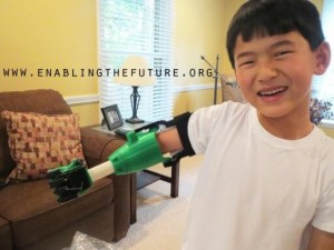 Kids with a 3D printed prosthetic device