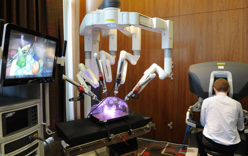 Surgical Robots - Digital Health Technologies for Space Travel