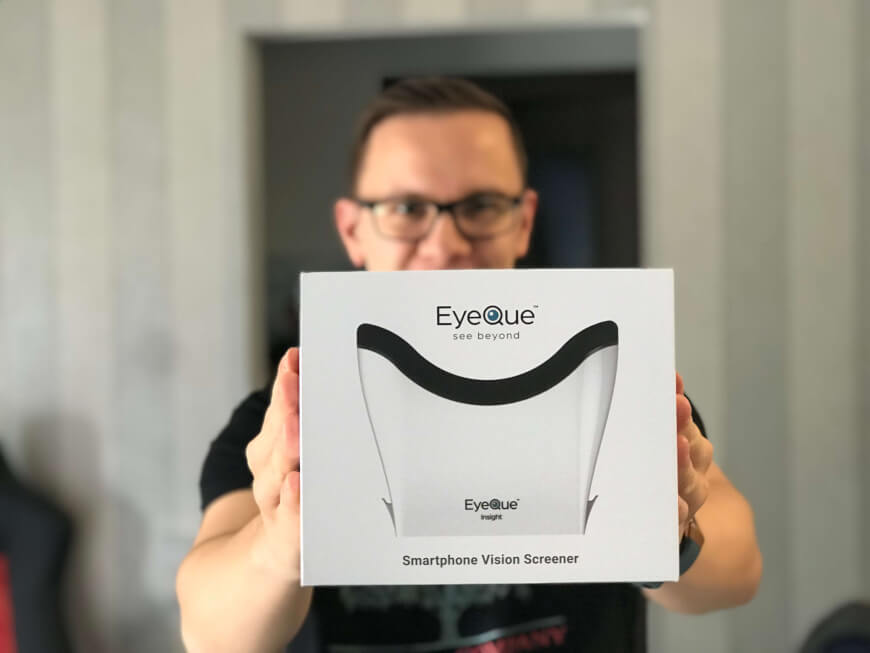 An Ophthalmologist In Your Kitchen – The EyeQue Insight Review